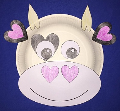 & Heart Cow Paper Plate Craft